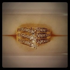 14kt yellow gold diamond ring. Approx .40 carats